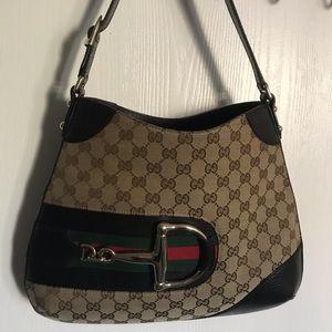 Signature  Gucci bag